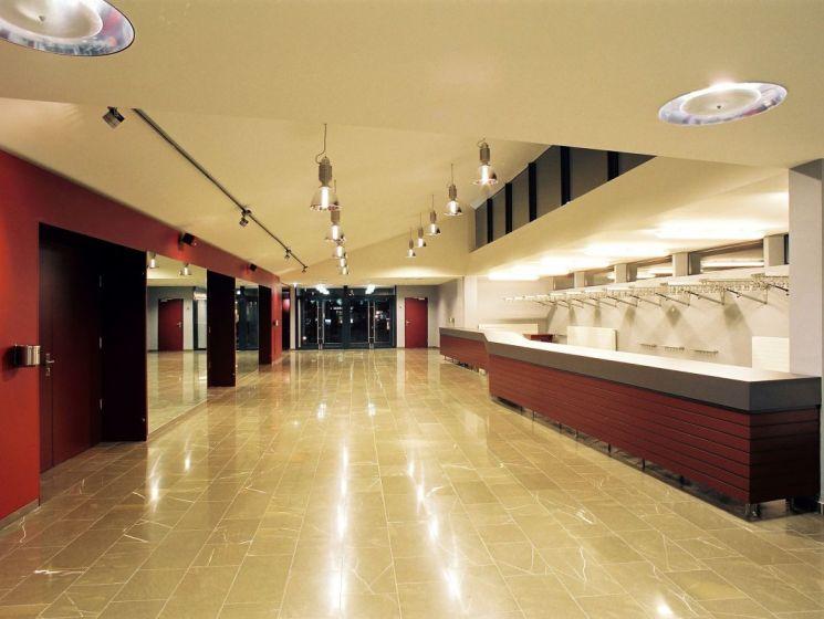Stadhalle 02