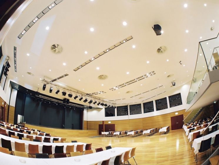 Stadthalle Innenraum 07